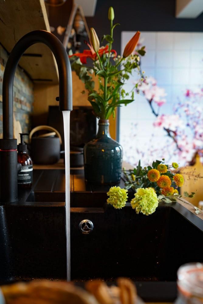 Quookerkraan in je keukeninterieur plaatsen
