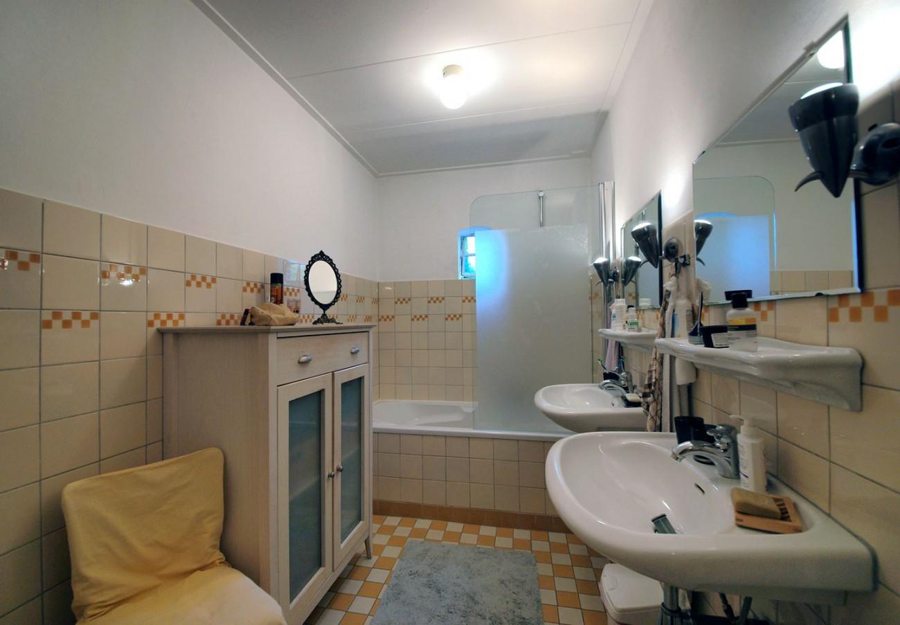 badkamer geel