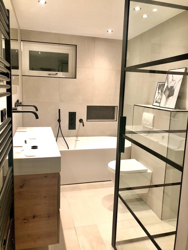 badkamer Binnenkijken bij een twee onder een kap woning