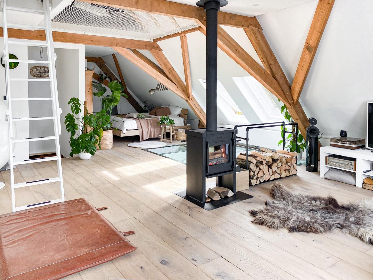Een eiken vloer geeft warmte en sfeer